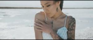 Video: Tatiana Manaois – Heaven